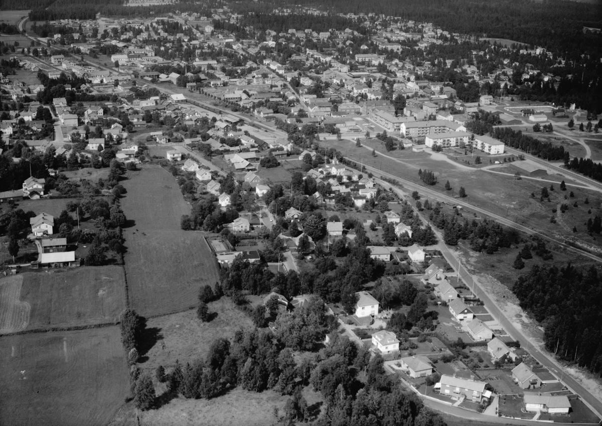 Flygfoto över Skillingaryd i Vaggeryds kommun, Jönköpings län. 1160/1963