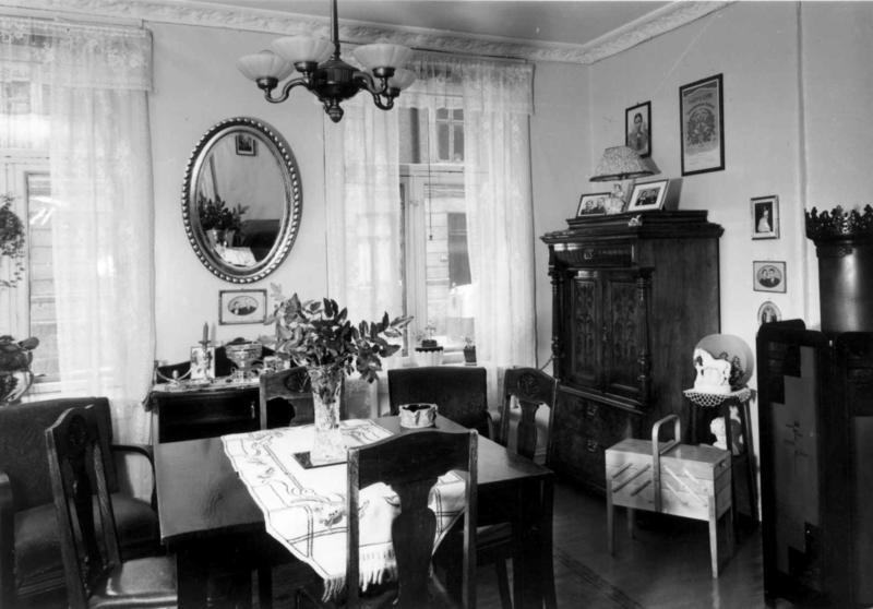Norsk Folkemuseums byundersøkelser 1951.