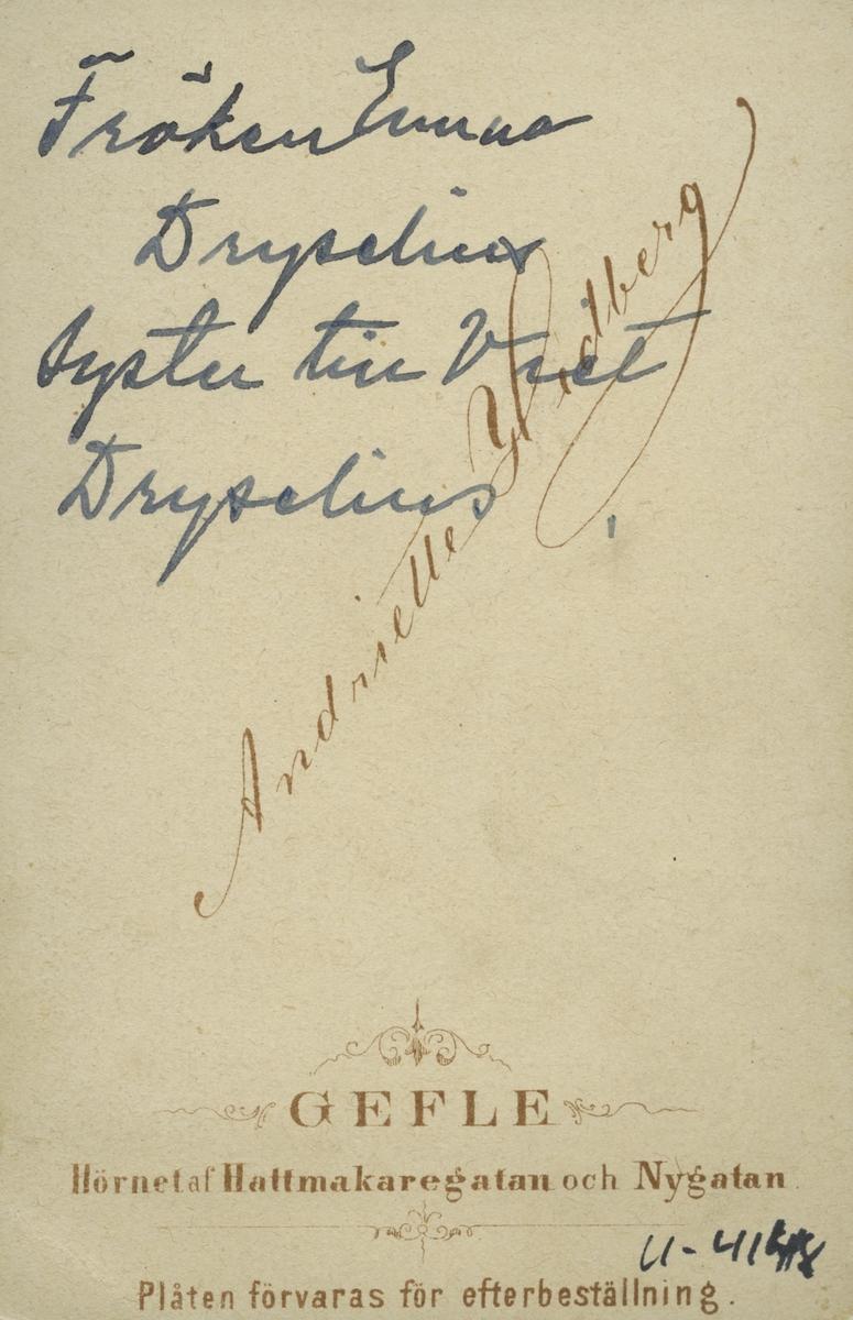 Syster till Viktor Dryselius.
