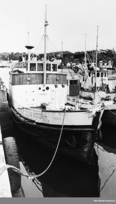 """Rutebåten """"Bjørnvåg"""" Bildet er fra avisa Tidens Krav sitt arkiv i tidsrommet 1970-1994. Nå i Nordmøre museums fotosamling."""