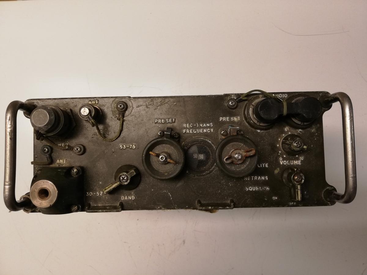 Bærbart radiokommunikasjonsutstyr, brukt i forsvaret fra tidlig 70 tall.