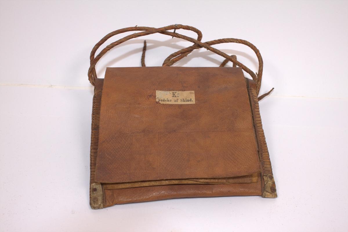 Veske av skinn, ca 1700