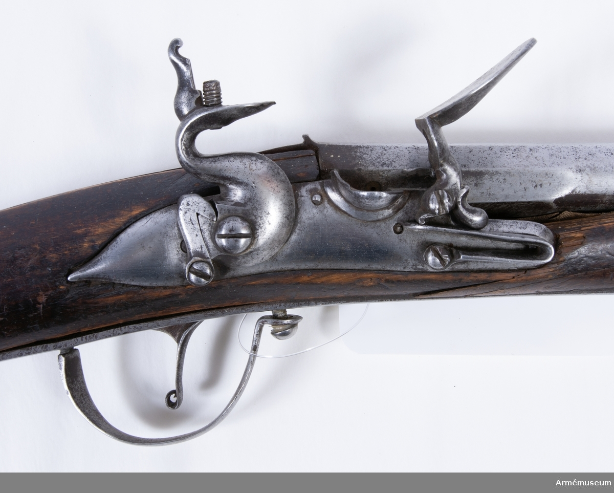 Grupp D I. Änterbila med pistol. Kombinationsvapen. Från 1700-talets början.