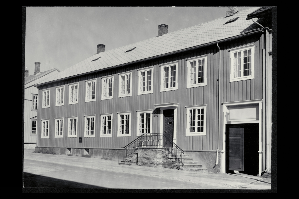 eksteriør, postkontor, 7460 Røros, postskilt