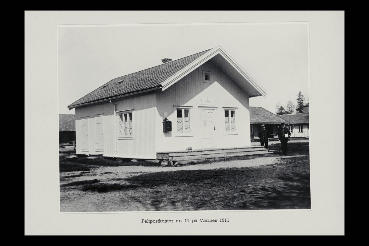 eksteriør, feltpostkontor,  nr.11 Værnes, postkasse, postbud