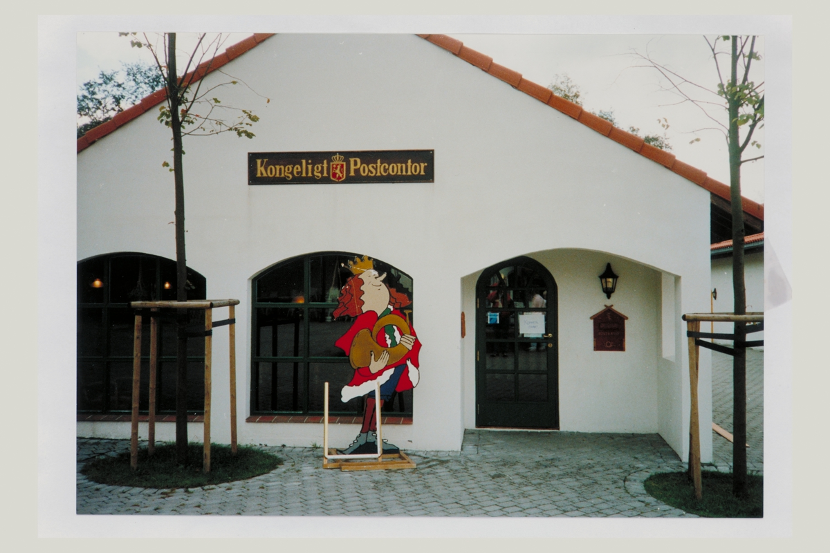eksteriør, postkontor, Kongeveien, Ålgård, innstikkskasse, postskilt Kongeligt Postkontor
