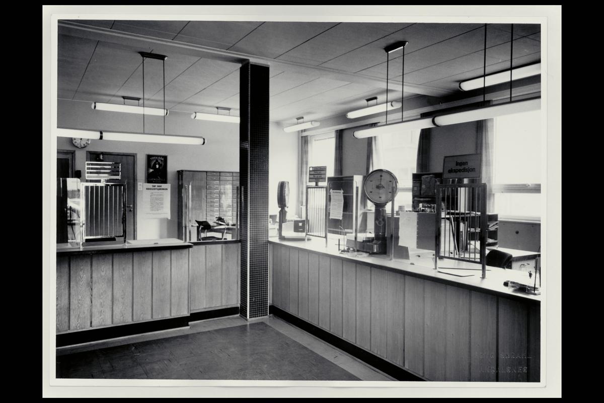 interiør, postkontor, 6300 Åndalsnes, publikumshall, vekt
