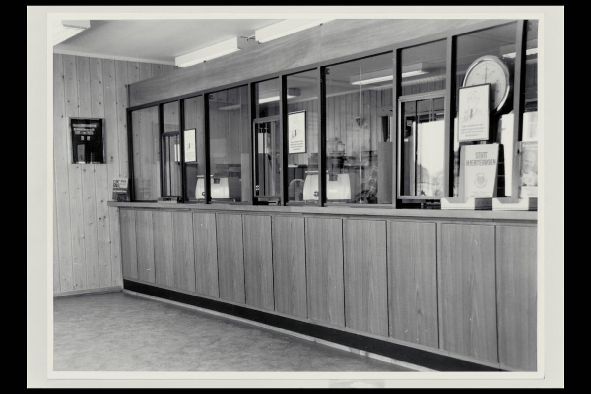 interiør, postkontor, 4950 Risør, publikumshall