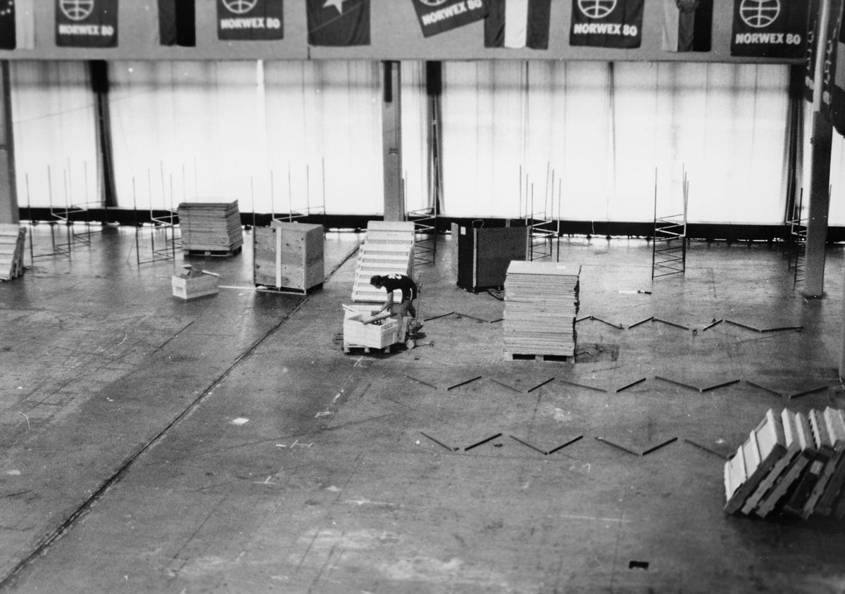utstilling, Norwex 80, oppbyggningen, mann