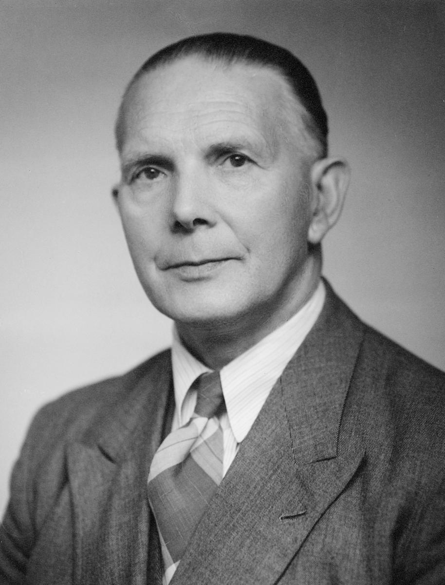 portrett, postmester, Halvor Bævre