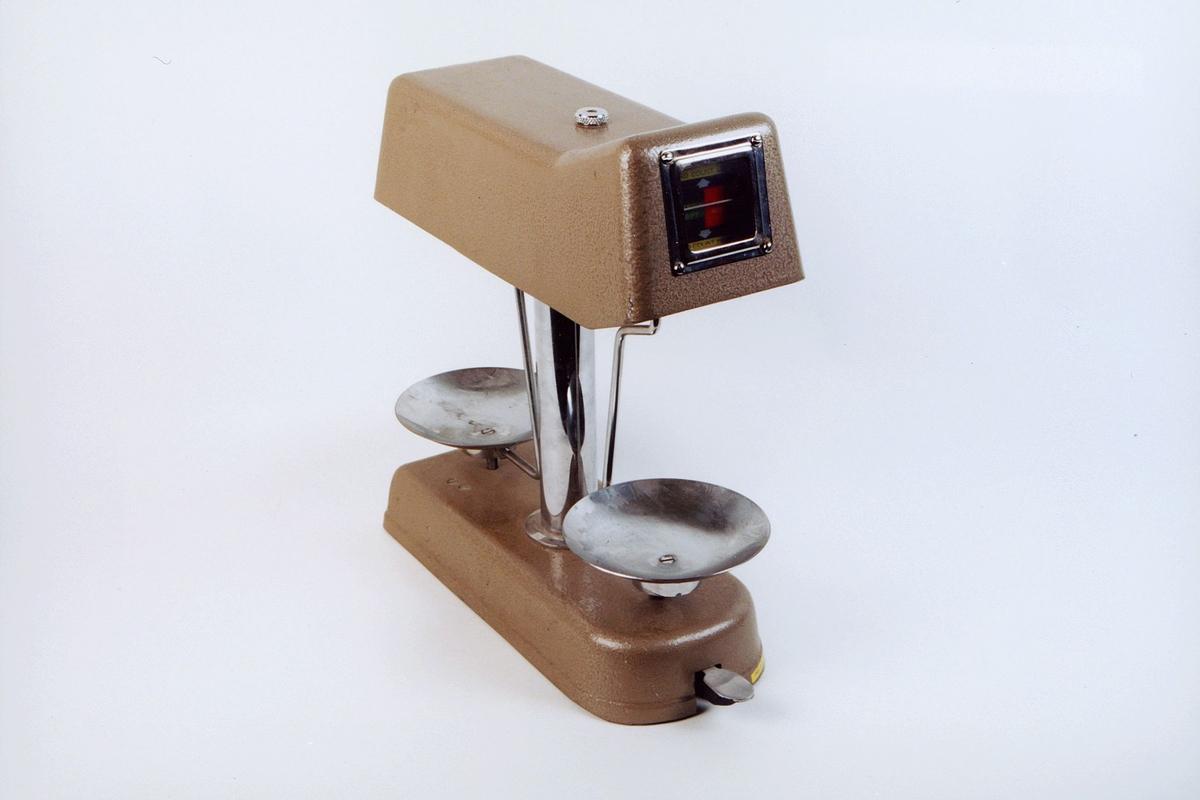 postmuseet, gjenstander, vekt, skålvekt, serial number 16