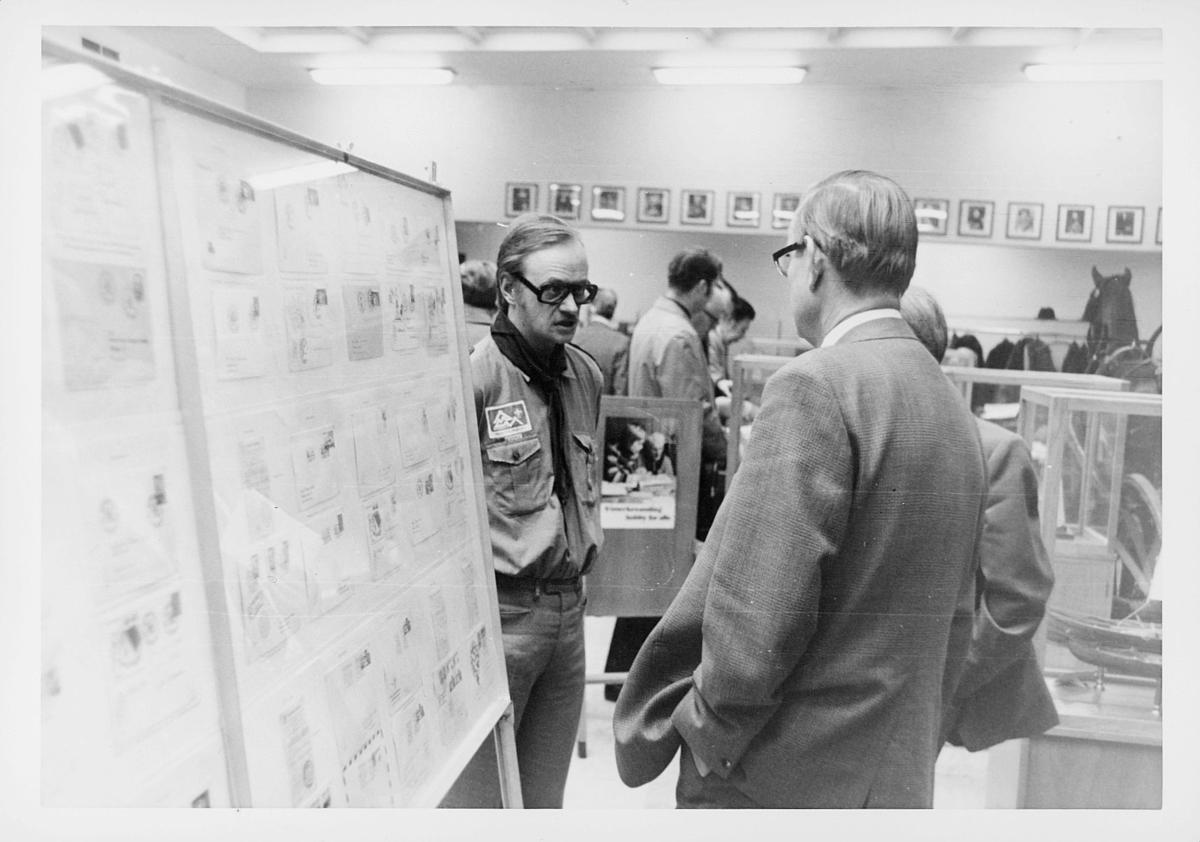 markedsseksjonen, Frimerkets dag '75, Det norske Postmannslag, Østfjellske krets, 9. oktober, Ragnvald Rustung Bru