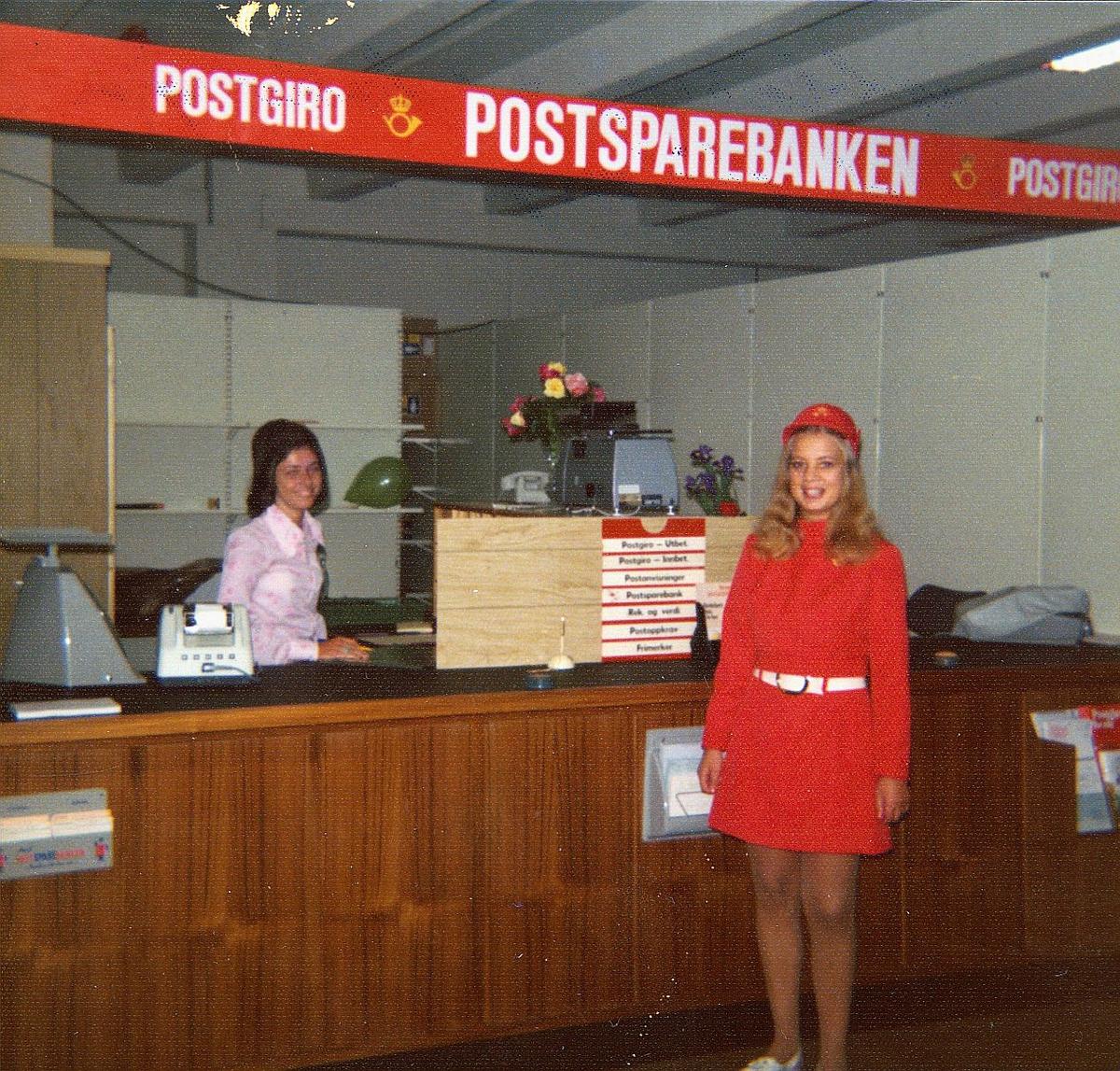 markedsseksjonen, Jærdagene, motivdatostempel, 24.-25.5., postfilial, ved Egersund stormarked, interiør, 2 damer