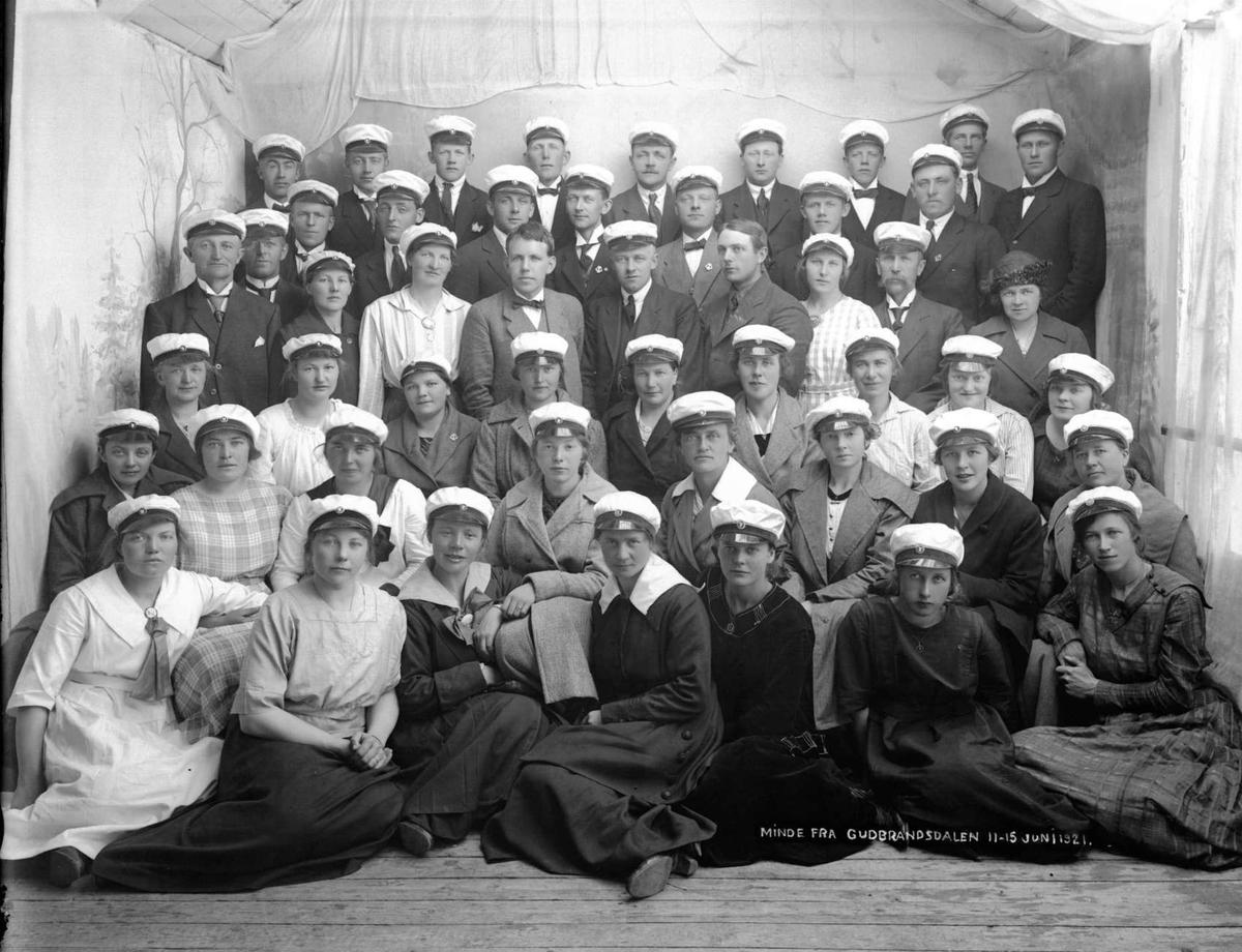 Kort: Ringebu ? Minde fra Gudbrandsdalen . 11-15.06.1921. Gruppebilde, sangkor?