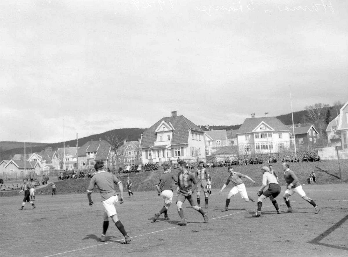 Fotball på Sportsplassen i pinsen 1929. Situasjon mellom Hamar - Stange.