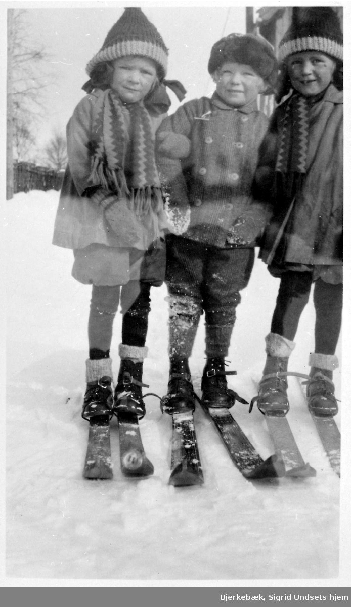 Jenter, gutt, ski
