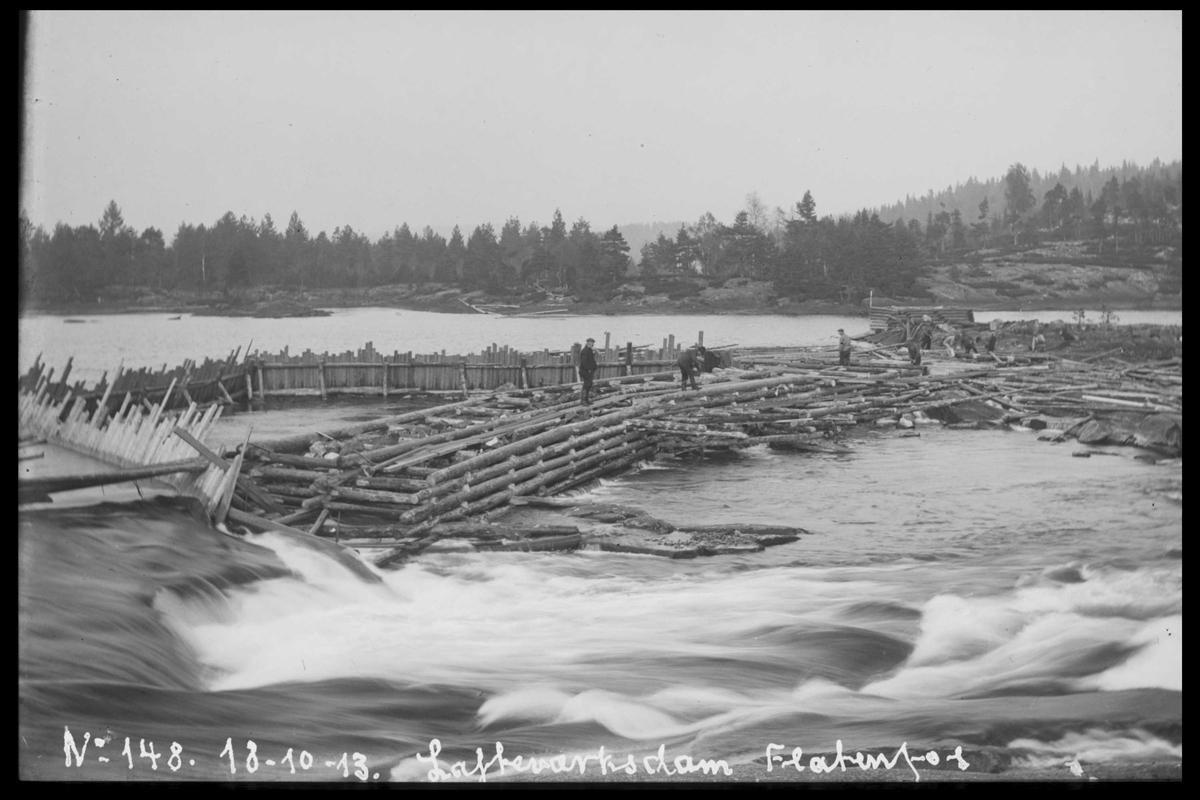 Arendal Fossekompani i begynnelsen av 1900-tallet CD merket 0446, Bilde: 29 Sted: Flatenfoss Beskrivelse: Løftedam