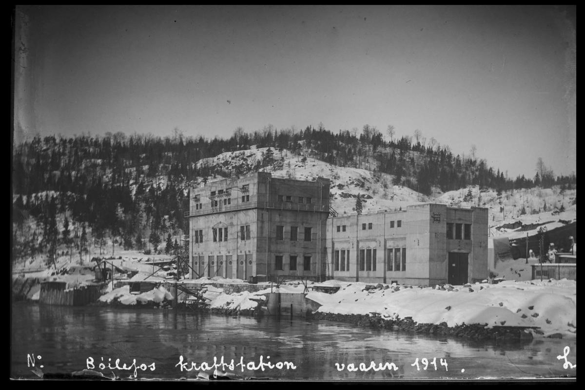 Arendal Fossekompani i begynnelsen av 1900-tallet CD merket 0470, Bilde: 6 Sted: Bøylefoss Beskrivelse: Kraftstasjonsbygningen
