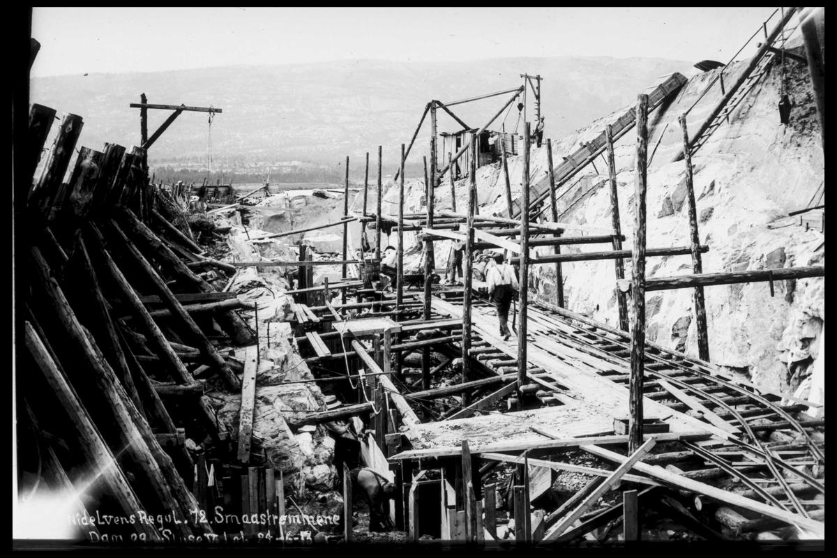 Arendal Fossekompani i begynnelsen av 1900-tallet CD merket 0474, Bilde: 56 Sted: Småstraumene Beskrivelse: Sluser