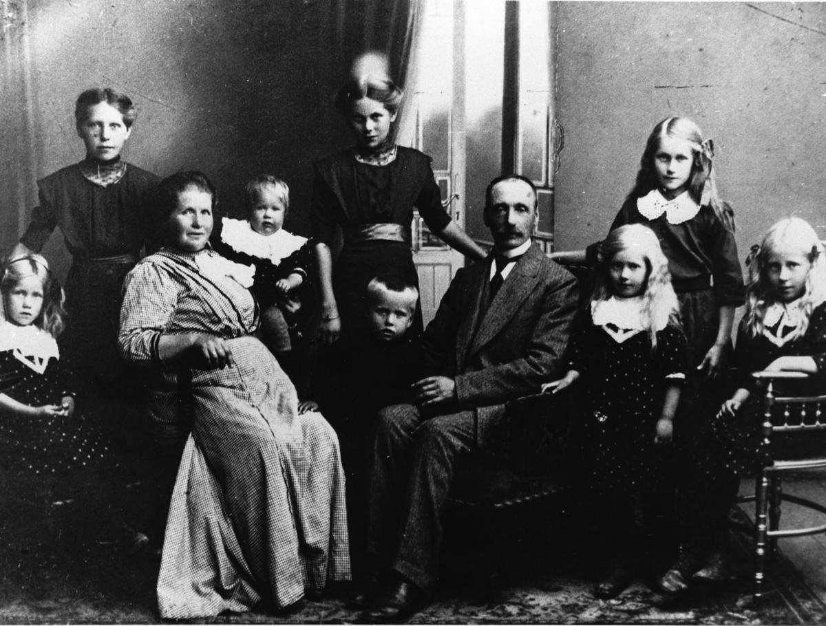 Anton Andreassen m.kone og barn.