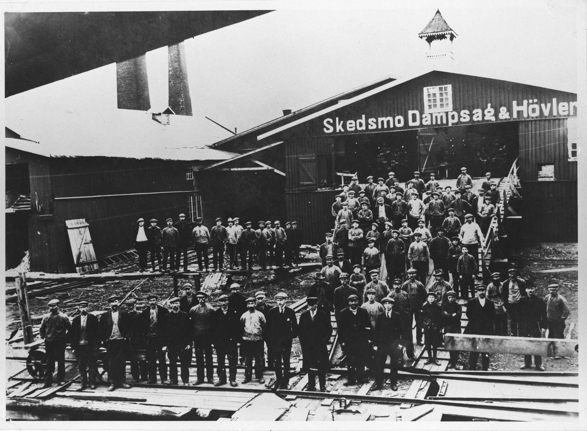 Arbeiderne ved Skedsmo Dampsag & Høvleri.