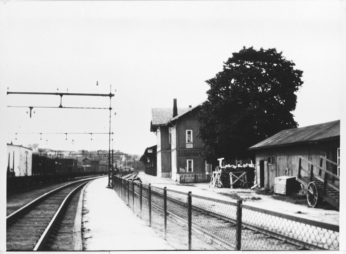 Fra Lillestrøm gamle jernbanestasjon. Her sees Kongsvingerlinj.