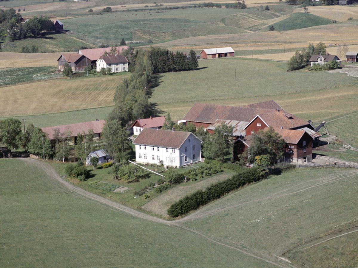 FLADBY, STORE GÅRD