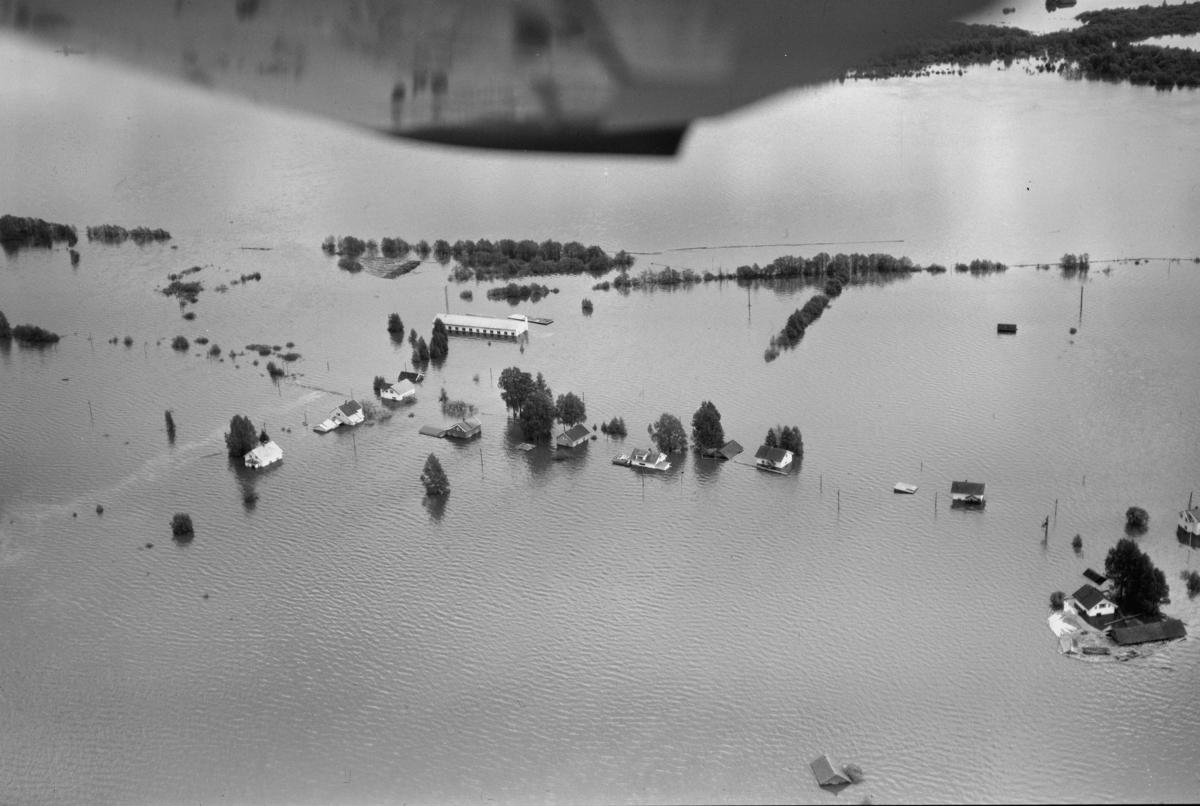 ØYA UNDER FLOMMEN I 1967 BEBYGGELSE