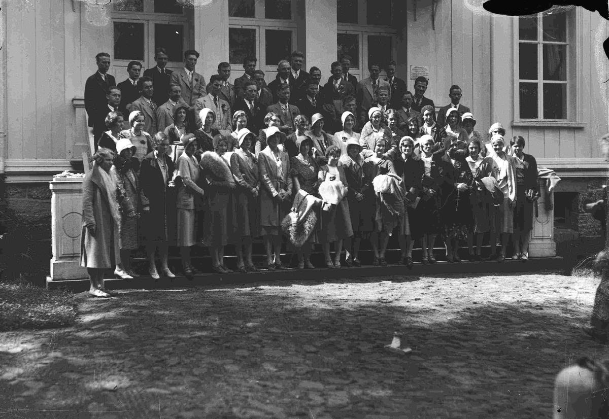 Gruppebilde ved Eidsvollbygningens bakside. Amerikansk sangkor - Concordiakoret