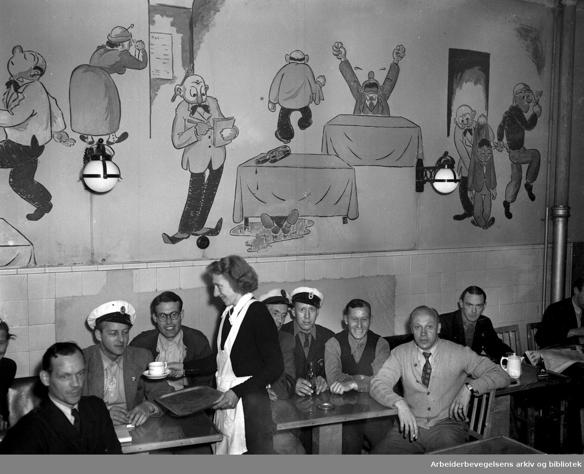 """Kafé Magneten i Akersgata 57, """"Drosjekaféen"""" - drosjesjåfører serveres på nattskift,.juni 1950"""