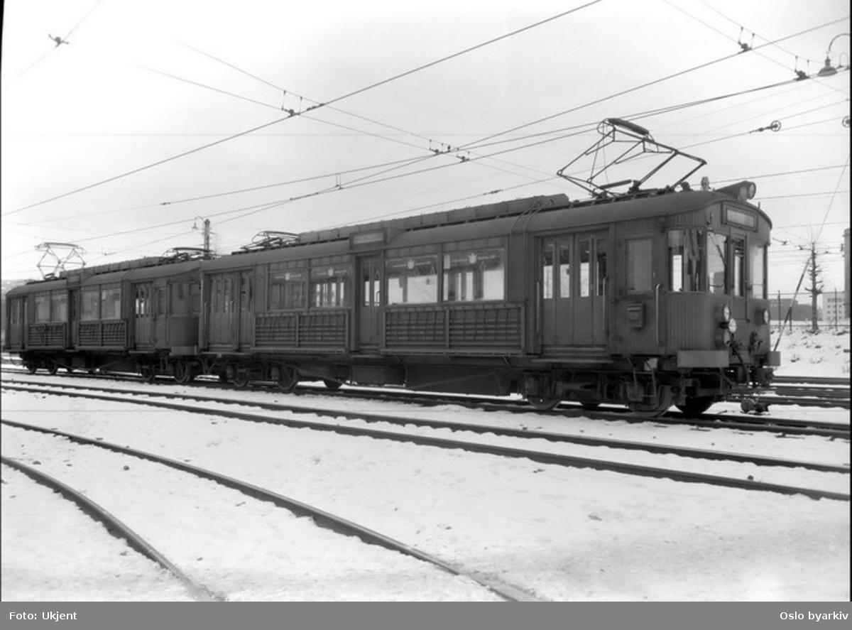 Holmenkollbanen, 609 og 610 i tog som nye, typebilde