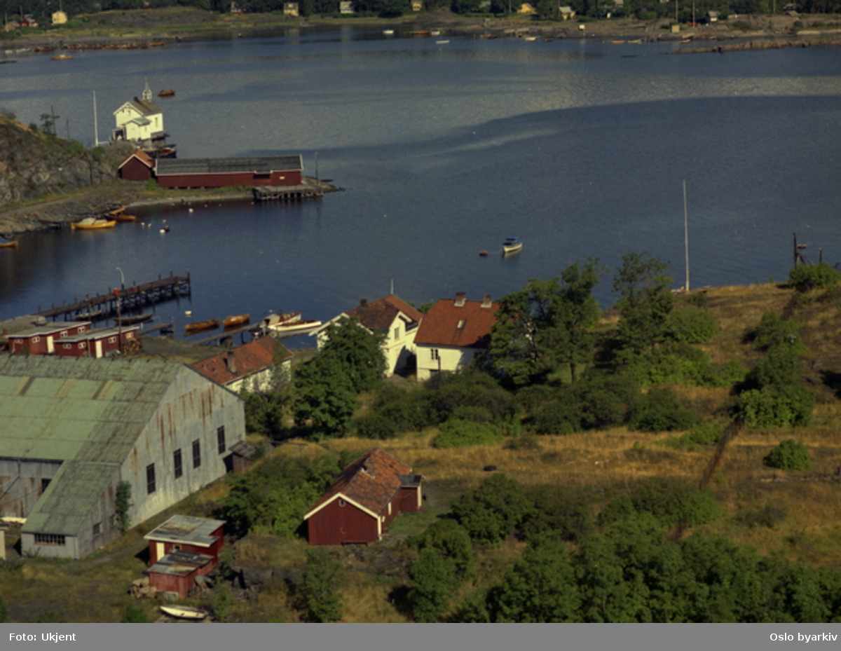 Gressholmen, Heggholmen fyr (Flyfoto)