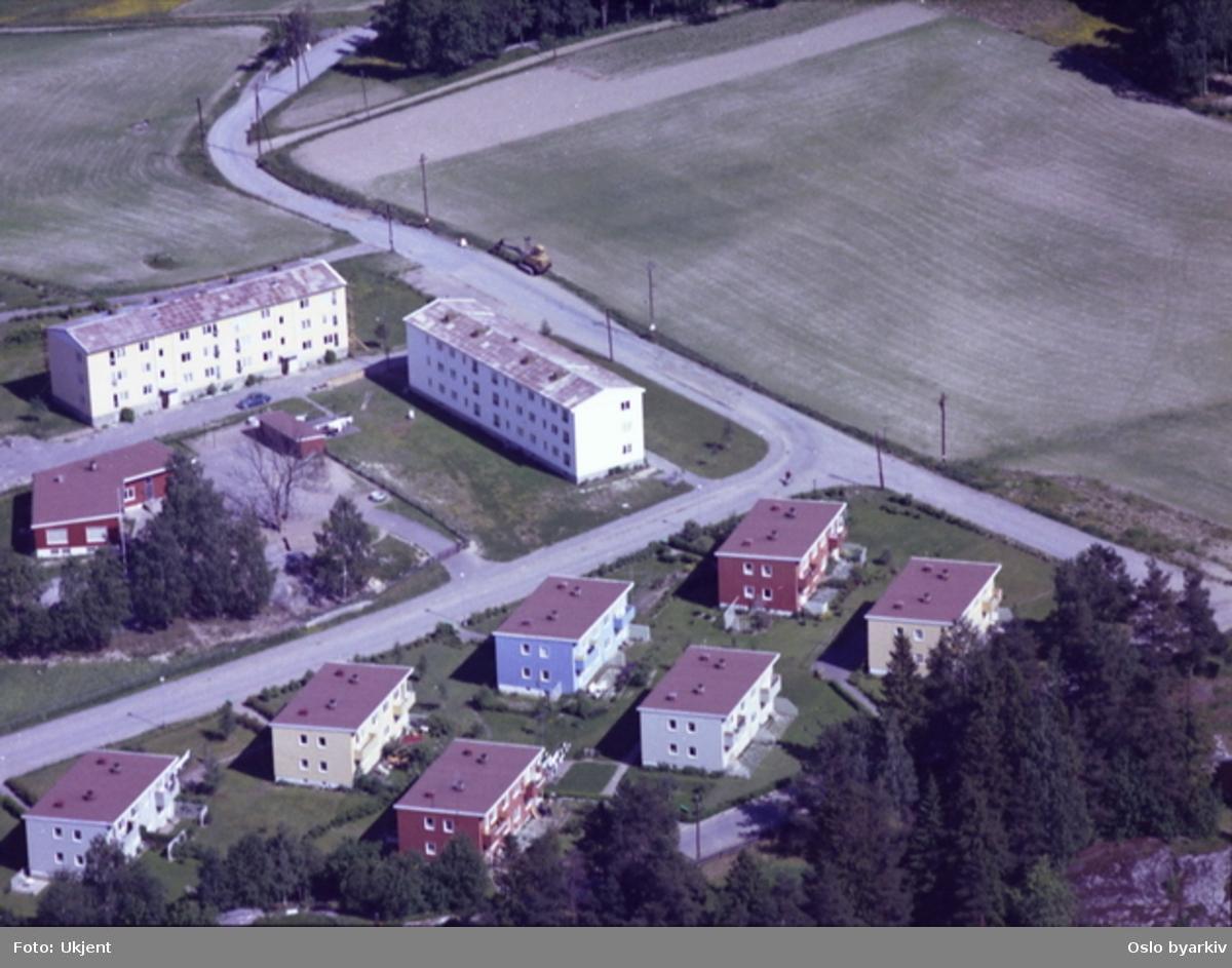 Løvsetdalen (fra venstre) krysser Paal Bergs vei. Bakkehavn barnehage til venstre. (Flyfoto)
