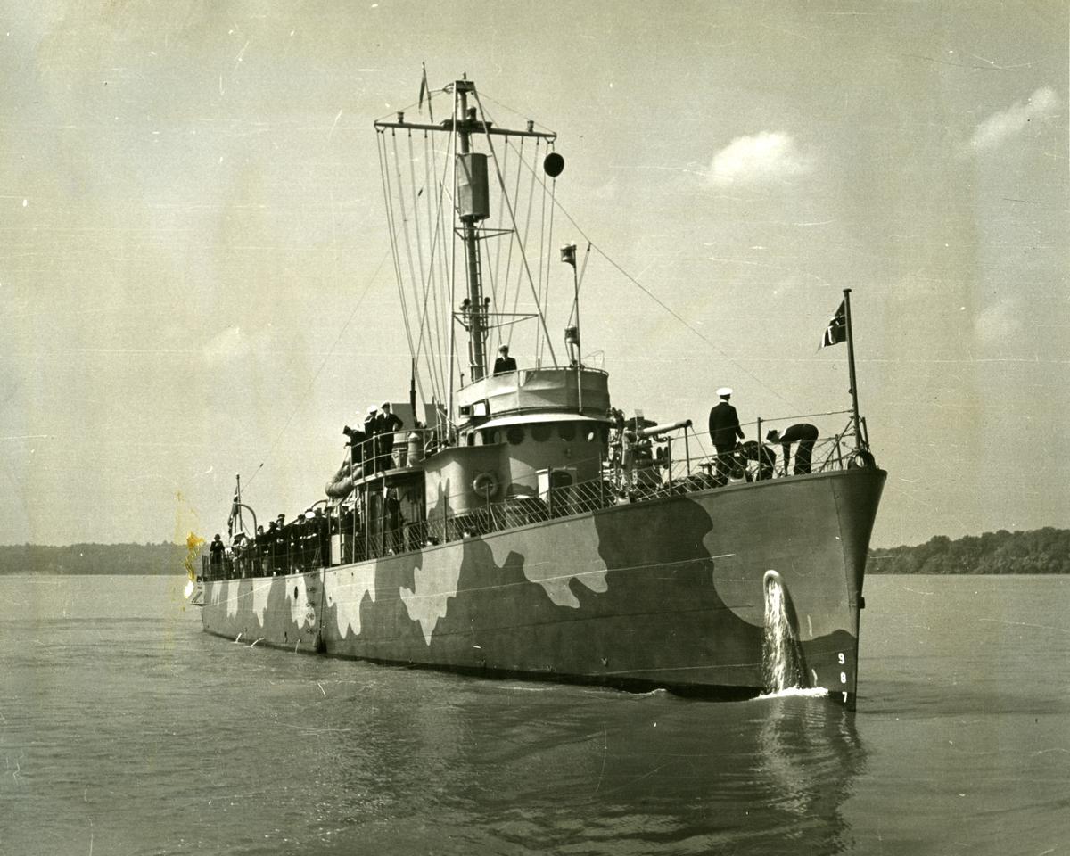 Album Ubåtjager King Haakon VII 1942-1946 Til ankers Wathington 1922.