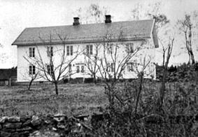 EKSTERIØR GARDSBRUK: HOVEDBYGNINGEN, PEDER HAFSAL