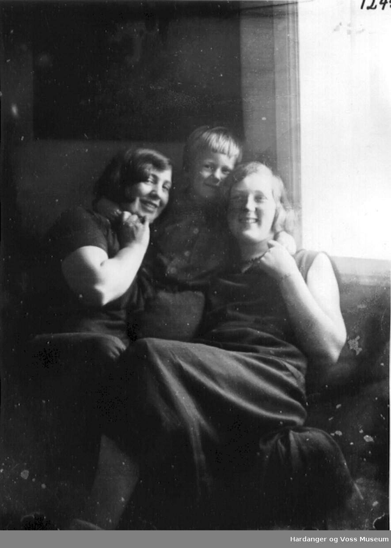 Gerd, Harald Peter Wallevik og Inga Tveito