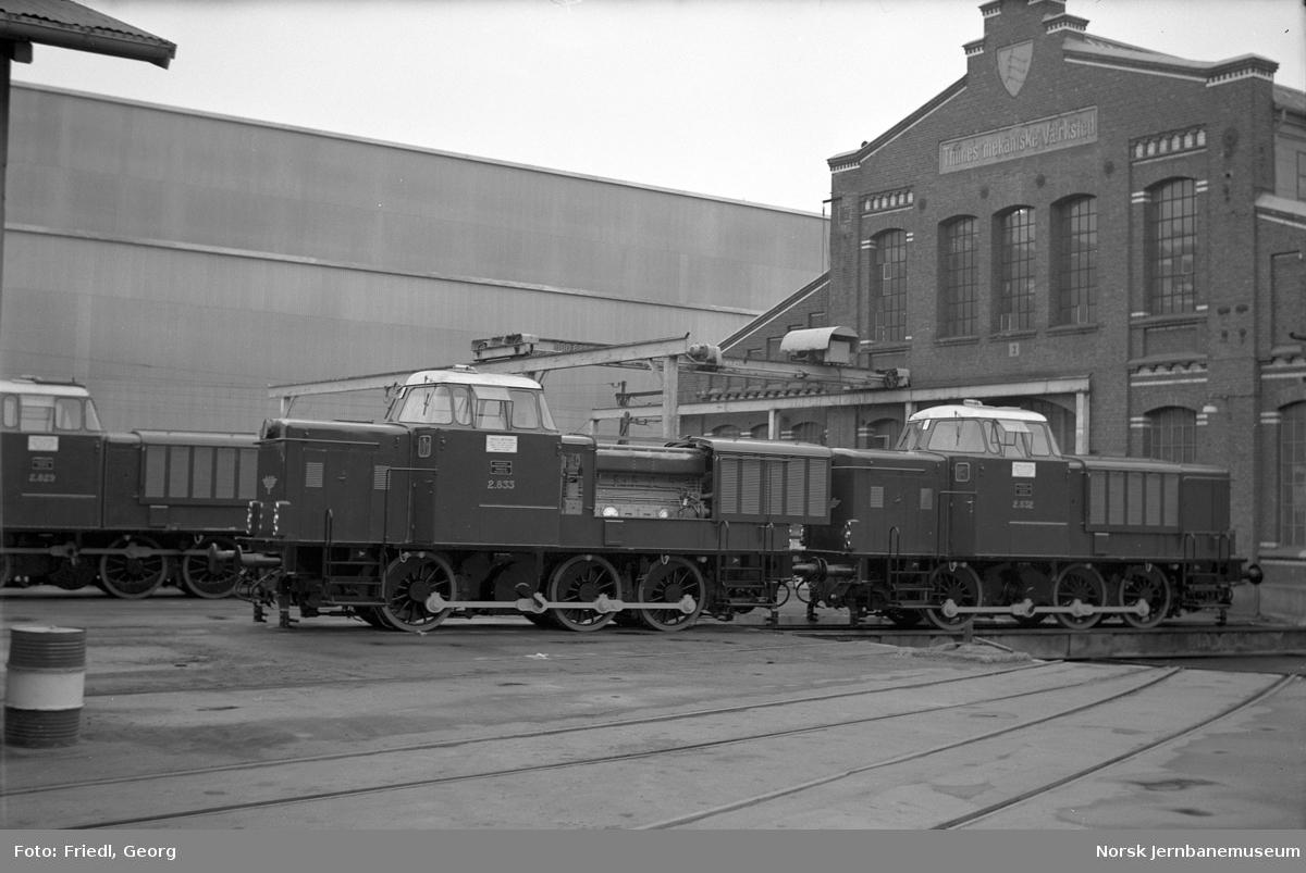 Diesellokomotiver type Di 2 nr. 828, 832 og 833 ved levering fra Thune's mek. verksted