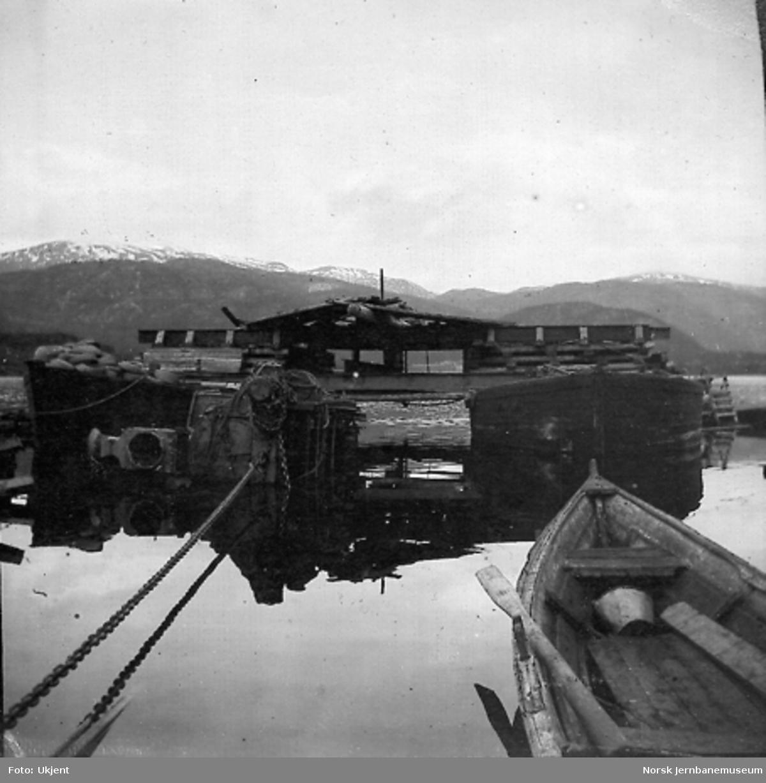 Damplokomotiv type 2a nr. 15 under heving på Gulsvik