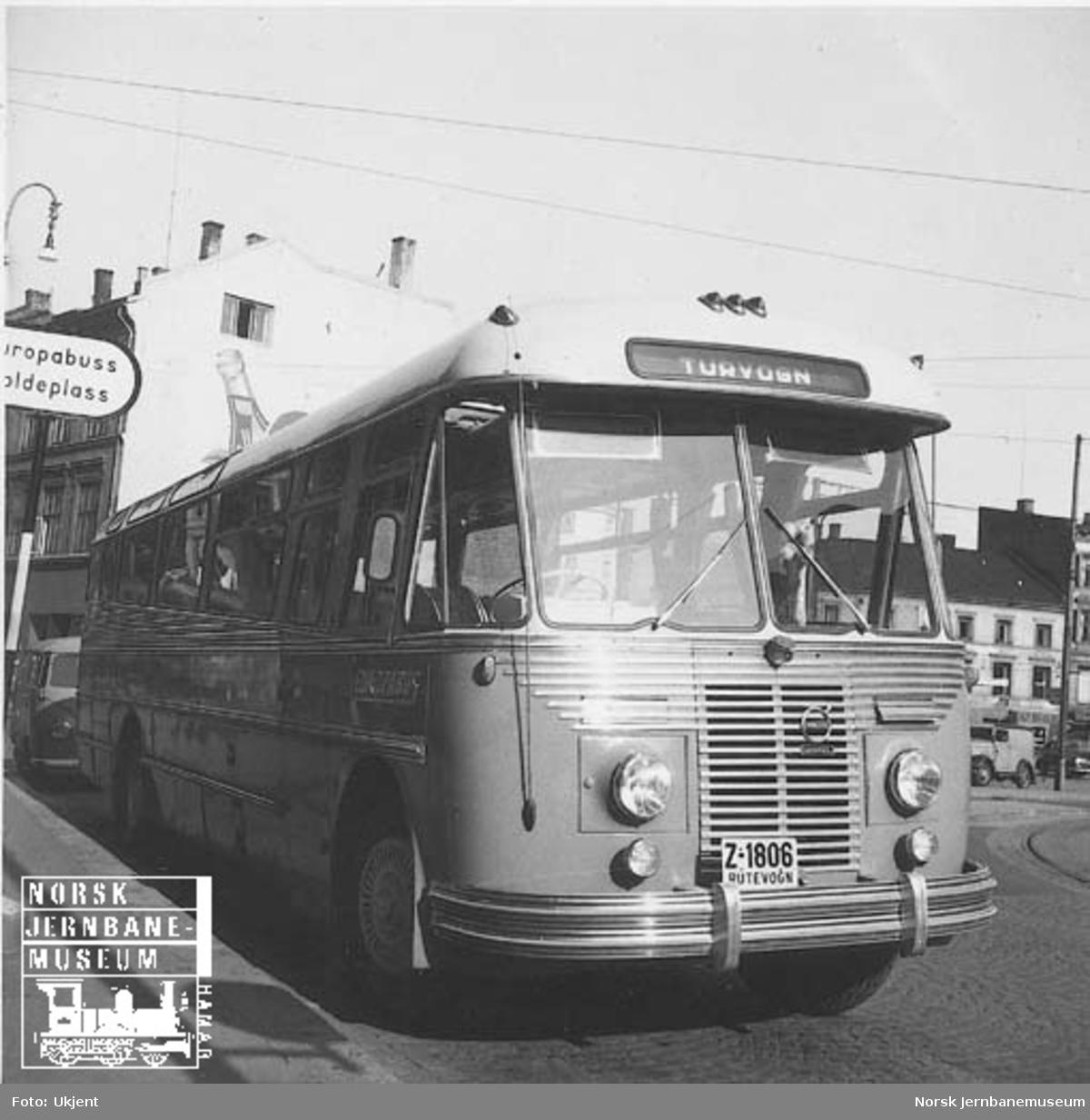 NSB Lågendalsrutens buss Z-1806 på Europabussens holdeplass