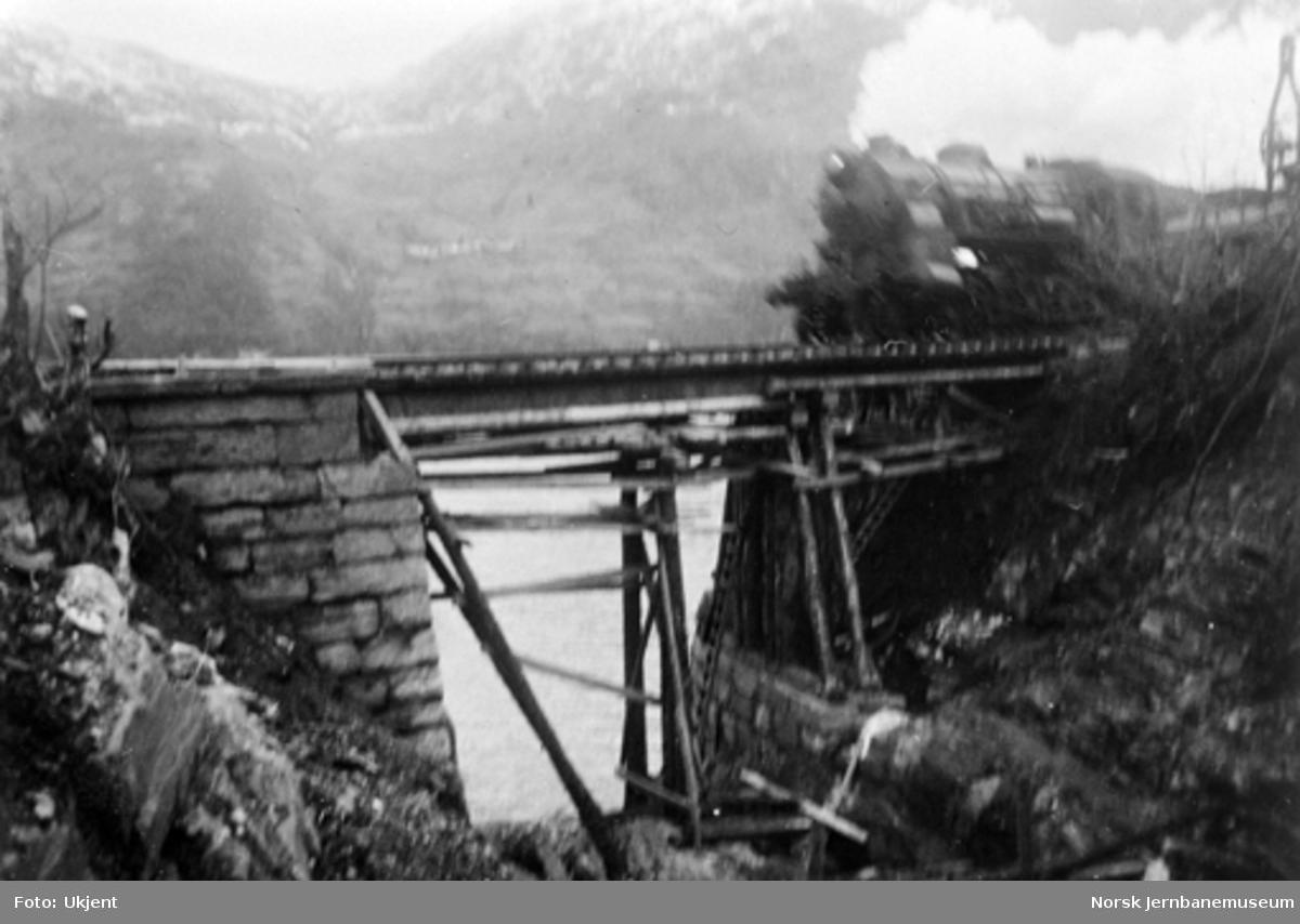 Utrasing på Vossebanen februar 1928 : Romslo km 455,5