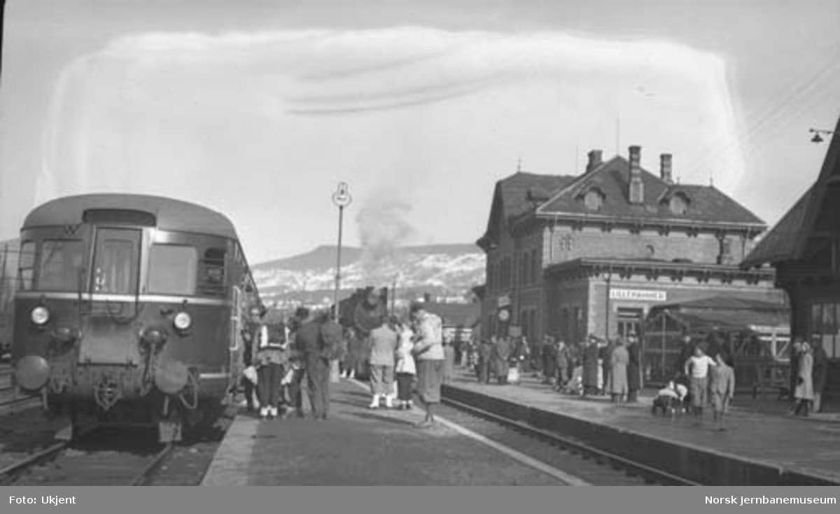 Motorvogntog (turisttog) på Lillehammer stasjon