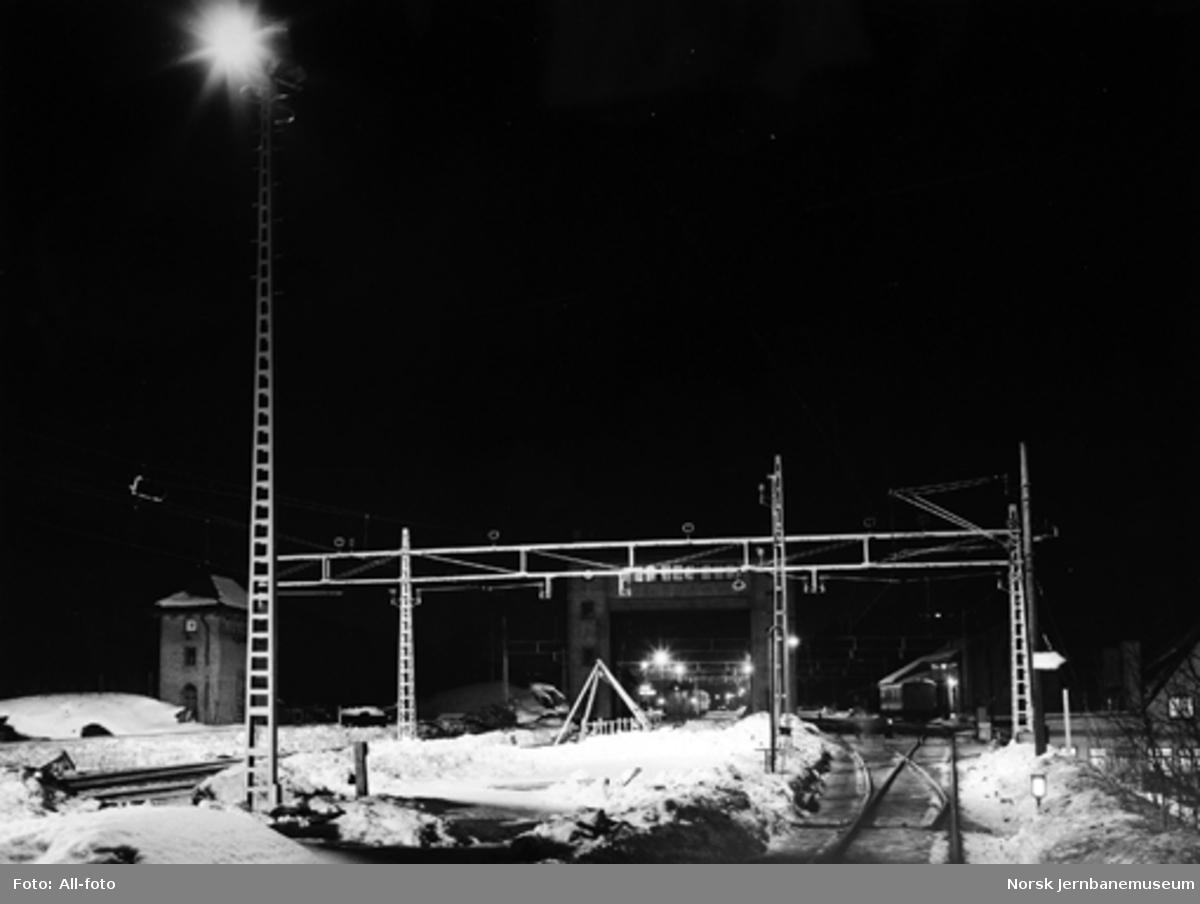 Sandvika stasjon : ny tomtebelysning