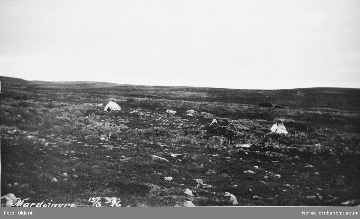 Jernbanestikking i Finnmark : teltleir ved Márddašjávri