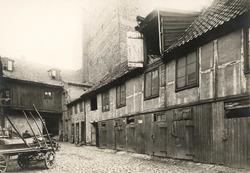 Brugata 6, Oslo. 1924. Bakgårdsbebyggelse/gårdsrommet.