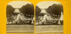 Stereoskopi. Parkanlegg med fontene, Versailles slott, Frank