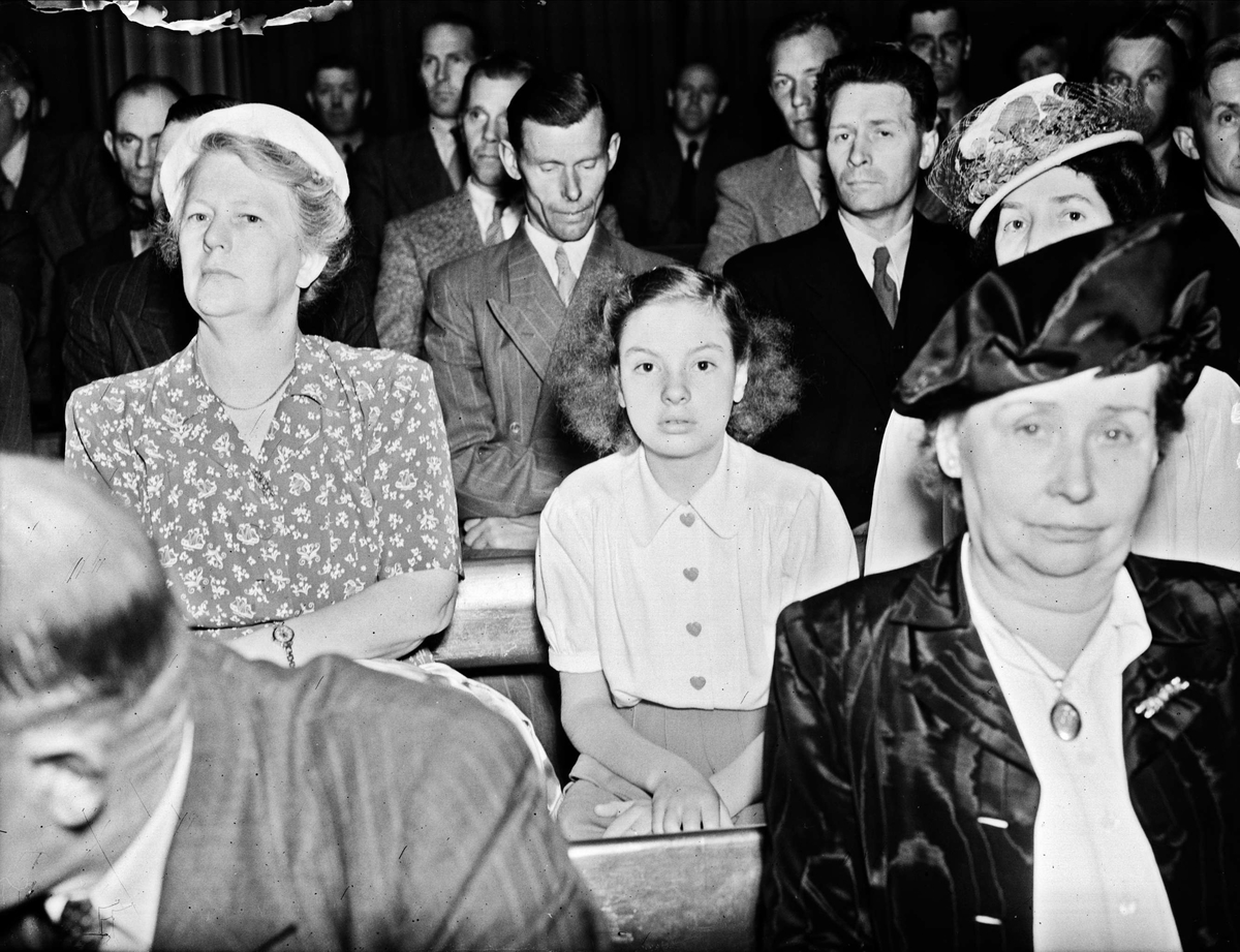 Svenska Hjälpen Till Finland har möte i universitetsaulan, Uppsala 1946