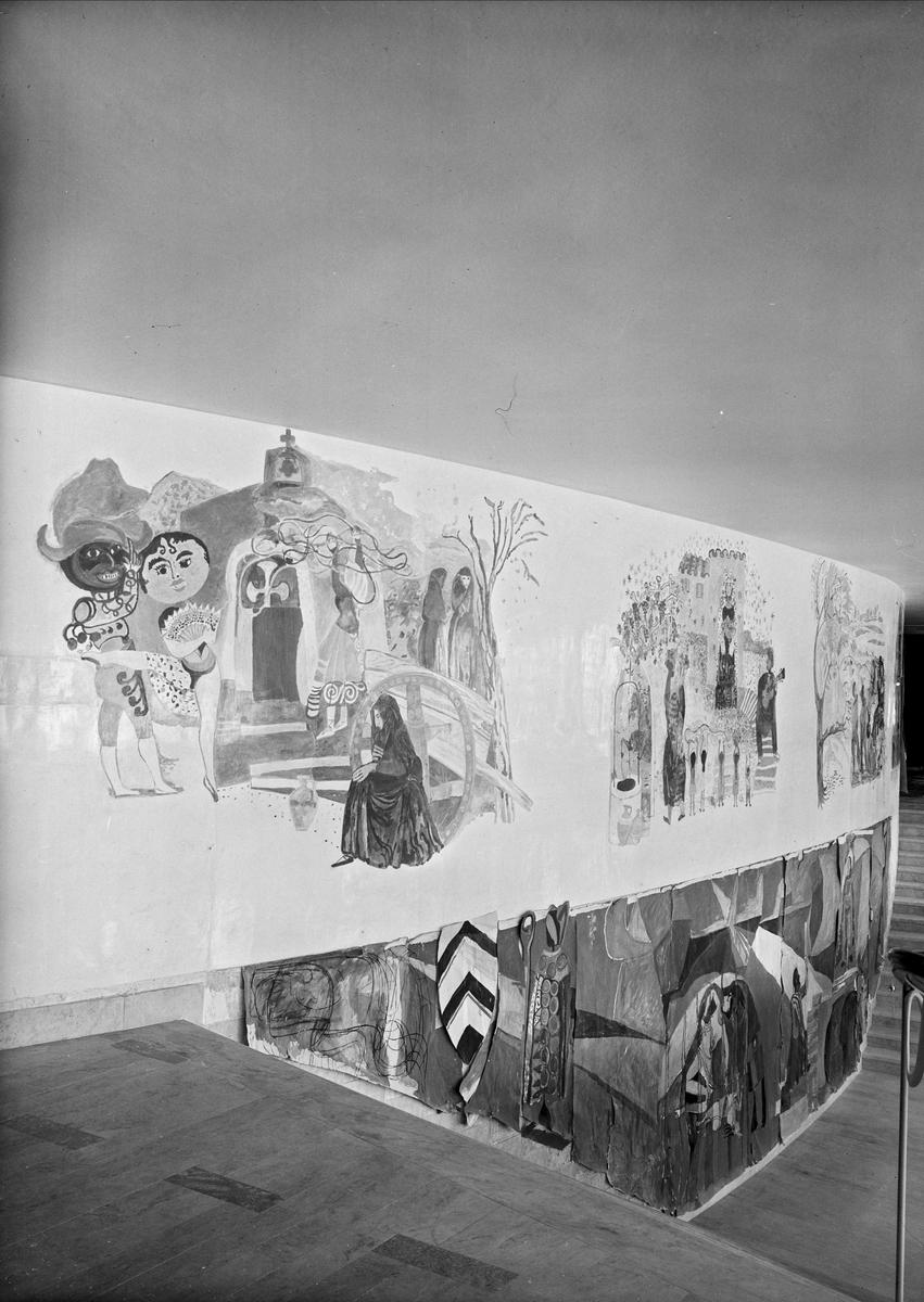 Konstnären Sven X:et Erixsons väggmålning i Uppsala stadsteaters foajé, kvarteret Oxen, Uppsala september 1952