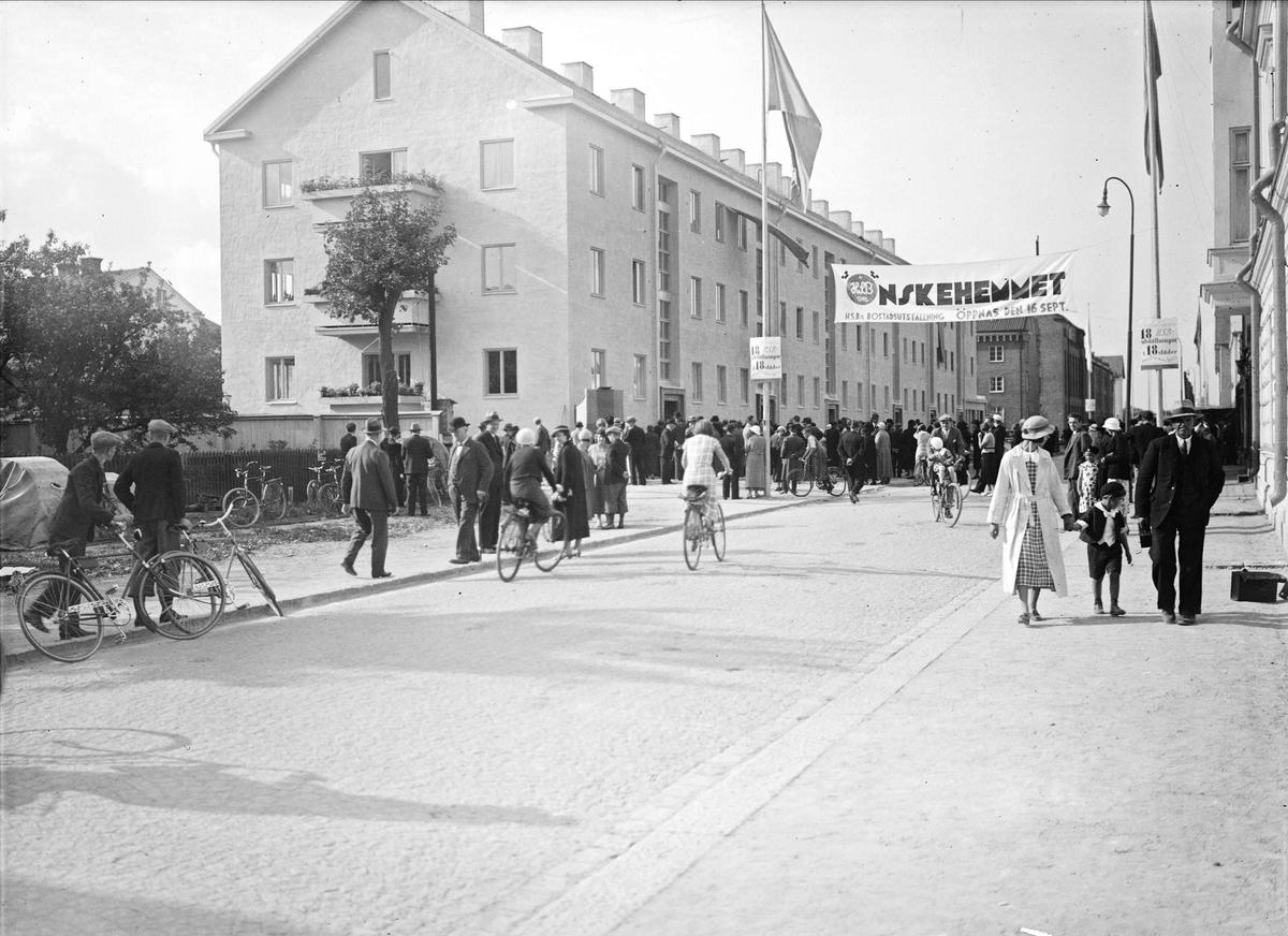 Många besökare på HSB:s bostadsutställning Önskehemmet, Uppsala september 1934
