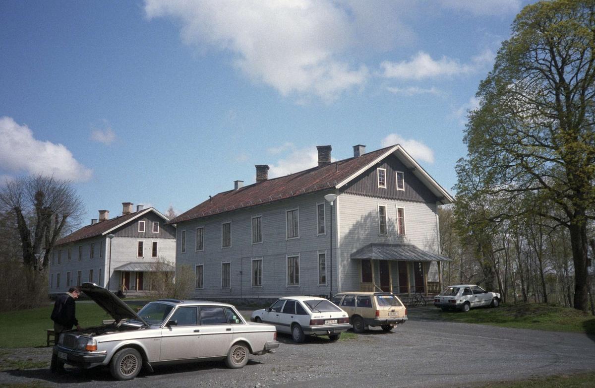 Gruvarbetarbostäder från 1800-talets senare del, Storrymningsvägen, Dannemora gruvor, Dannemora socken, Uppland 1995