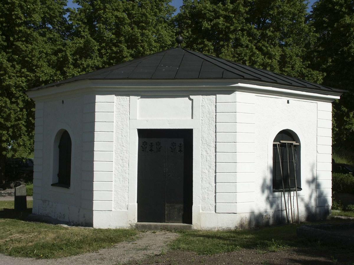 Gravkapell vid Funbo kyrka, Funbo socken, Uppland 2002